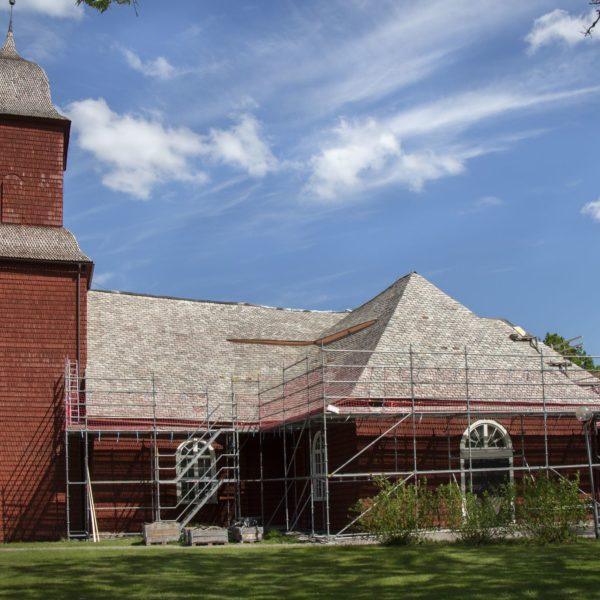 Unikt skiffertak på Svanskogs kyrka får omläggning